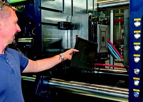 Fabrication de coque de protection chez Mobilis - Magazine E.D.I