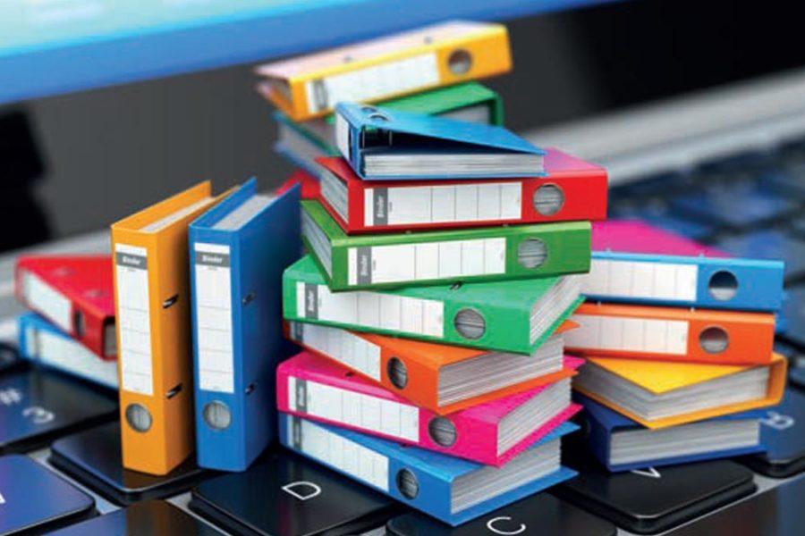 Classeurs en modeles reduits sur un clavier de portable