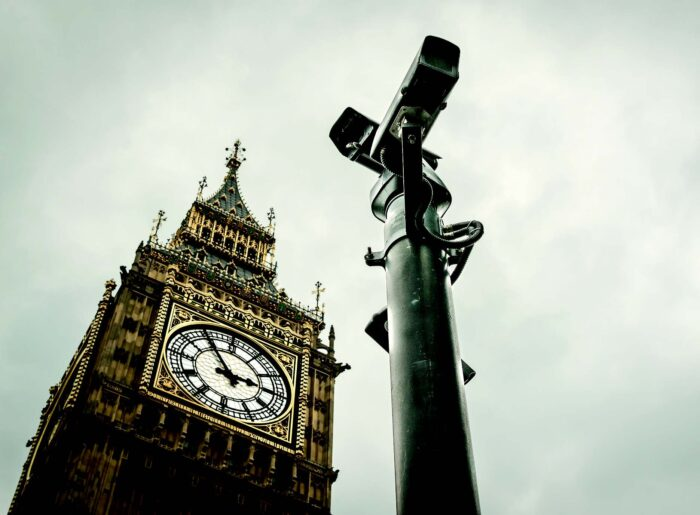 Caméras de vidéosurveillance devant BigBen